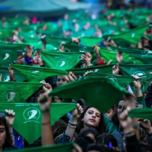 movement of women in Argentina to legalise abortion